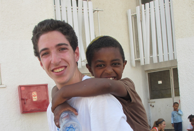 Diller volunteer in Israel